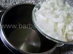 Tocana de legume cu orez si ciuperci preparare reteta - punem ceapa la calit