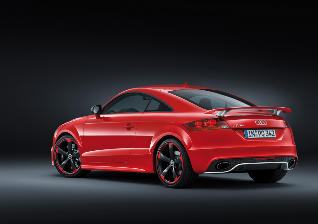 audi tt rs 39 plus 39 officially revealed. Black Bedroom Furniture Sets. Home Design Ideas