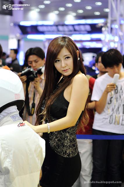 3 Ryu Ji Hye-Seoul Auto Salon 2011-very cute asian girl-girlcute4u.blogspot.com