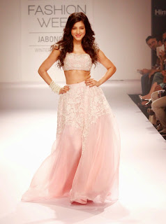 Shruthi Haasan Walks the Ramp in Beautiful Light Pink Ghagra Choli