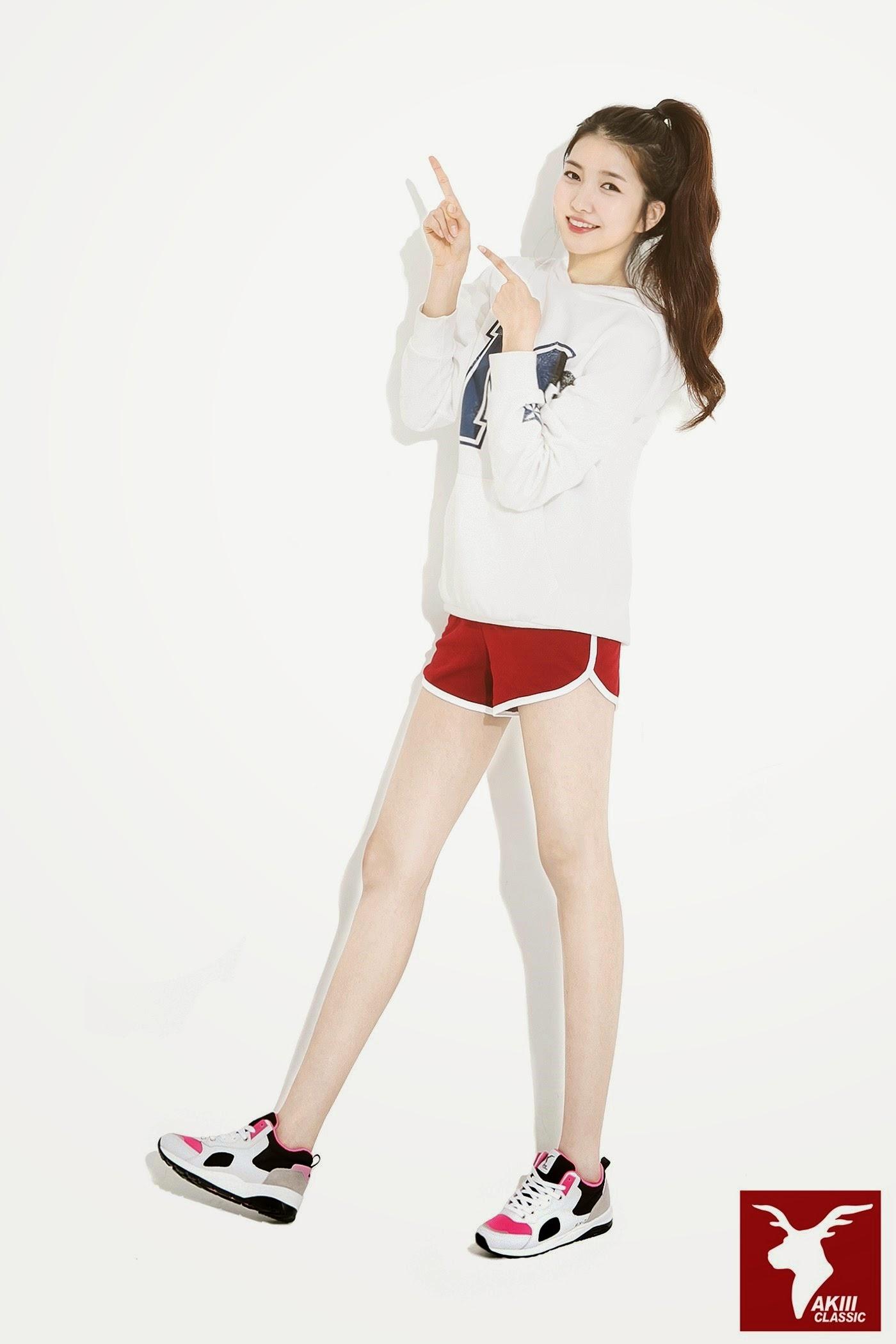 G-Friend Sowon Akii Classic