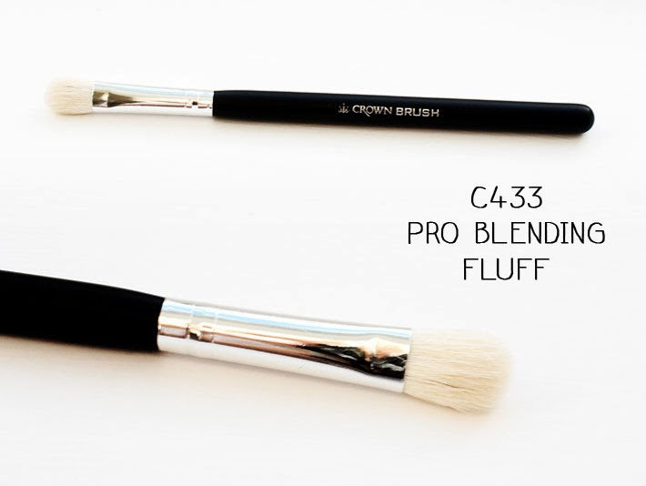 Crownbrush C433 Pro Blending Fluff