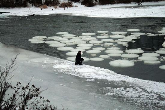 http://4.bp.blogspot.com/-5lHiiYIVhOc/Tn7D5TiyE6I/AAAAAAAADRs/TPuMvD-MICk/s1600/ice-circles-342.jpg