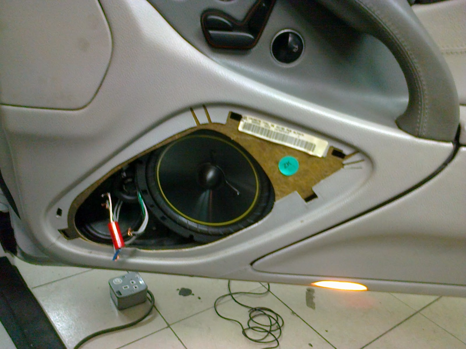 Eb audio mercedes benz sl class dvd gps and car audio upgrade for Mercedes benz car audio