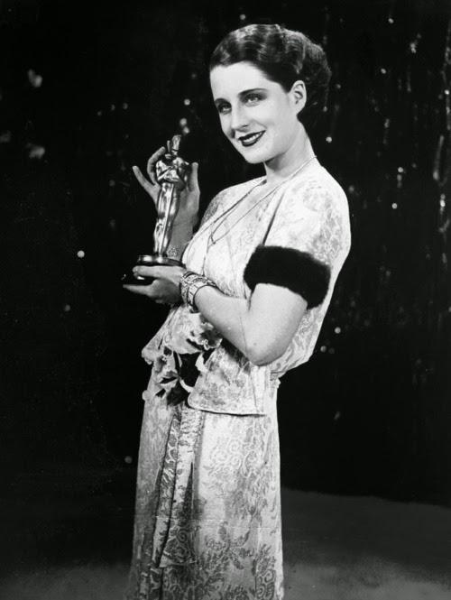 IAV: Su Majestad, Norma Shearer