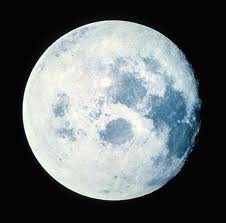 Ovnis saliendo desde la Luna