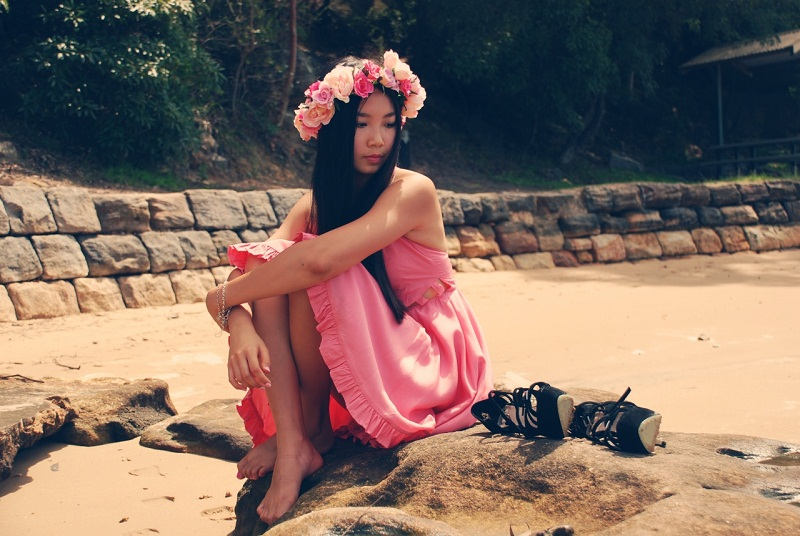 Personal style, fashion, Miss Unkon, Valentines Day, pink dress, floral crown, Etsy, floral garland