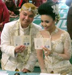 Mr & Mrs Raditya