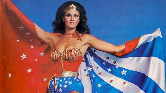 """Lynda Carter en la serie """"Wonder Woman"""" (1975)"""