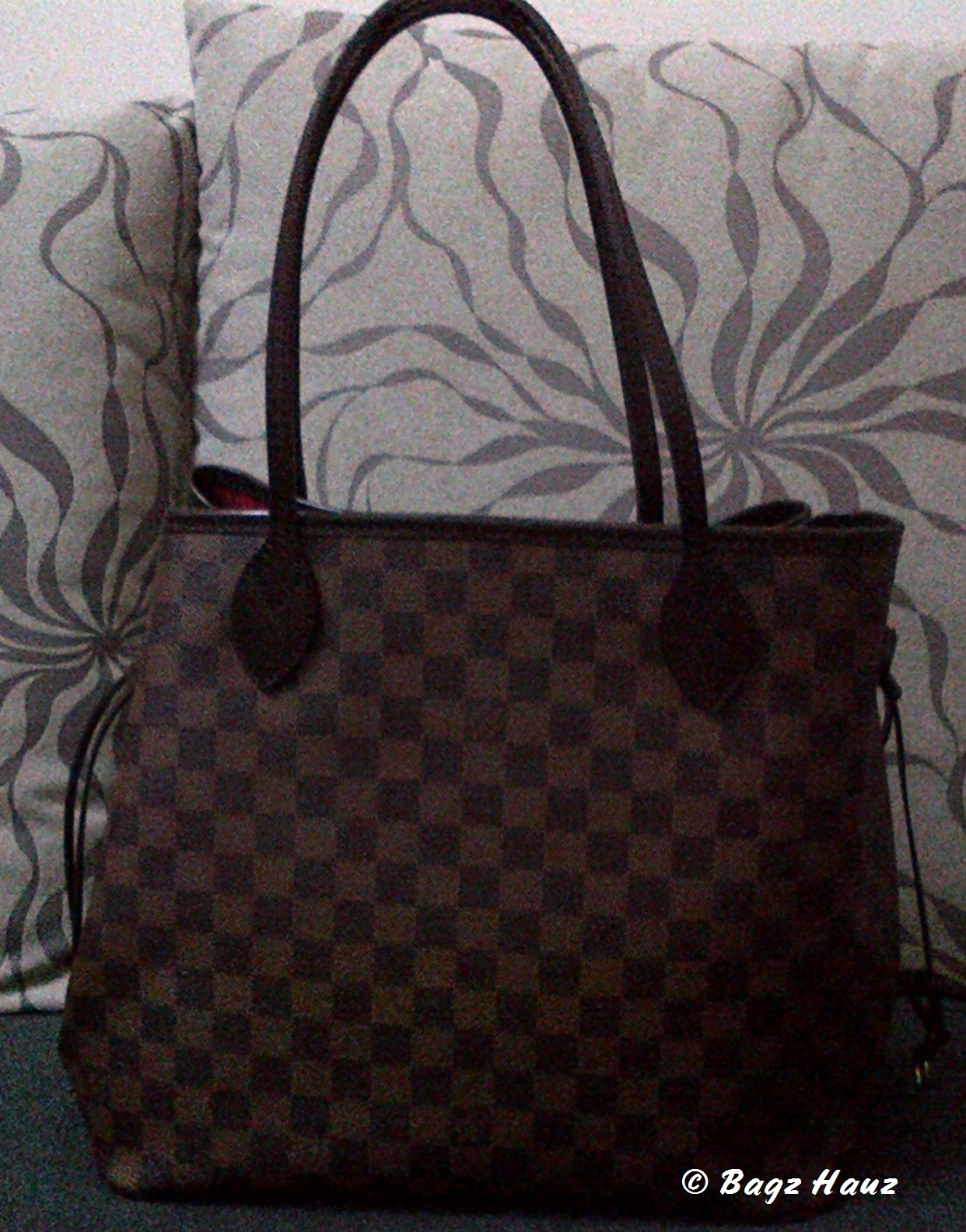 Actual pix shot of the preloved LOUIS VUITTON Neverfull MM in Damier Ebene 1467722334