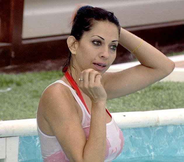baniyan over bikini on bigg boss glamour  images