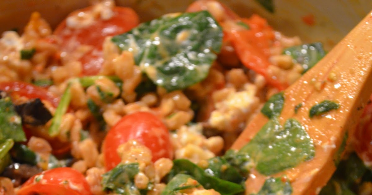 amour fou(d): farro, roasted pepper, and tomato salad.