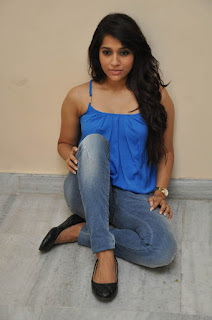 Rashmi Gautam sizzling Pictures 008.jpg