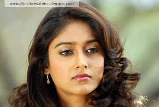 Hot Ileana D'cruz wallpapers free download images of sexy and hotty ileana dcruz wallpapers