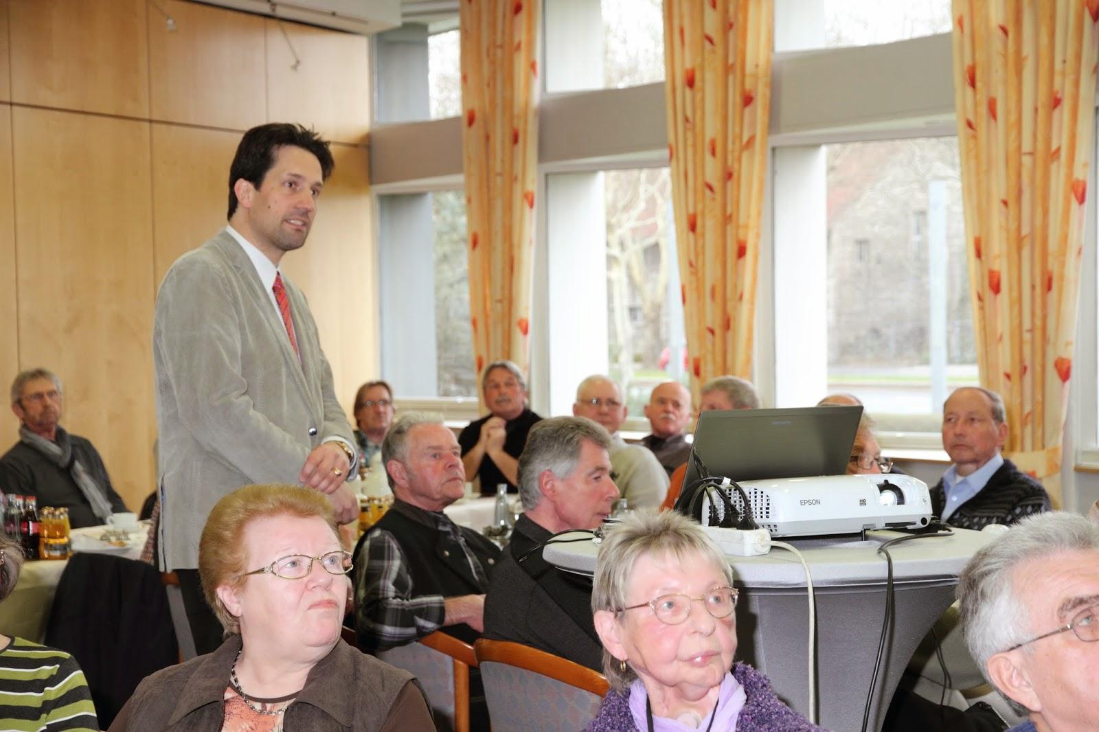 Prof. Dr. med. Andreas Gerstner bei seinen Vortrag