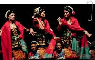 Central Javanese Mask Dance Lengger