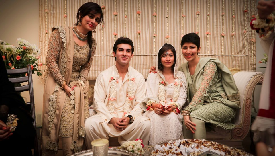 shehroz sabzwari and syra yousuf marriage 6 8 - Syra Yousuf and Shehroze Sabzwari Nikkah / Wedding Pictures