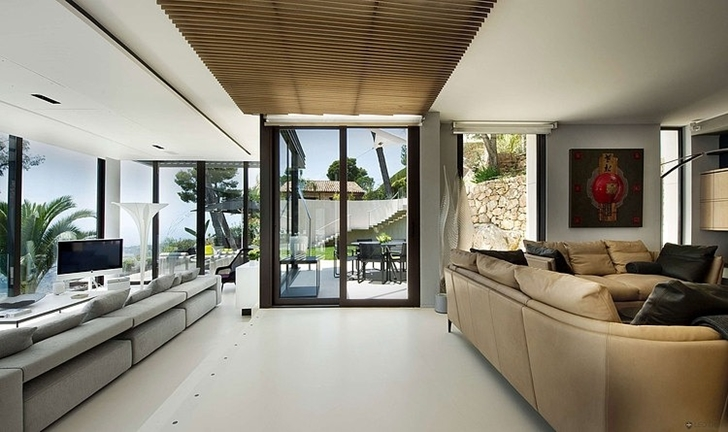 Entrance room in Modern Bayview Villa In French Riviera