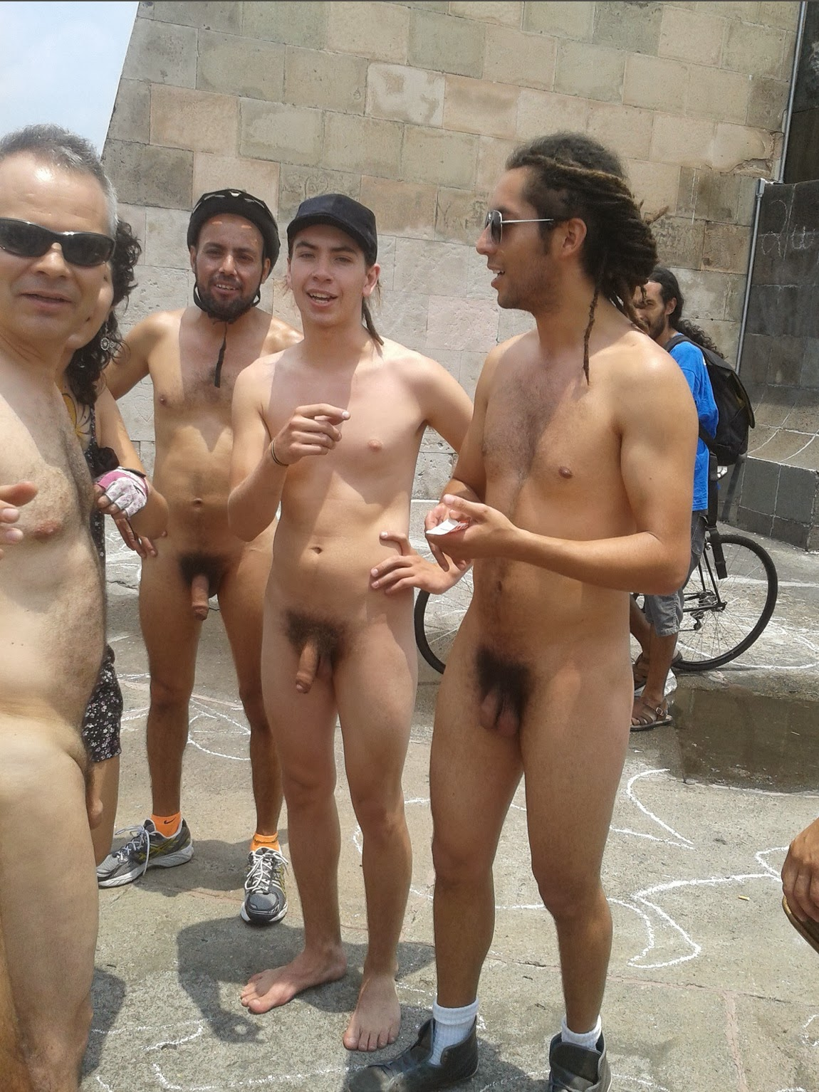 Beautiful young nudists pictures  family nudism gallery