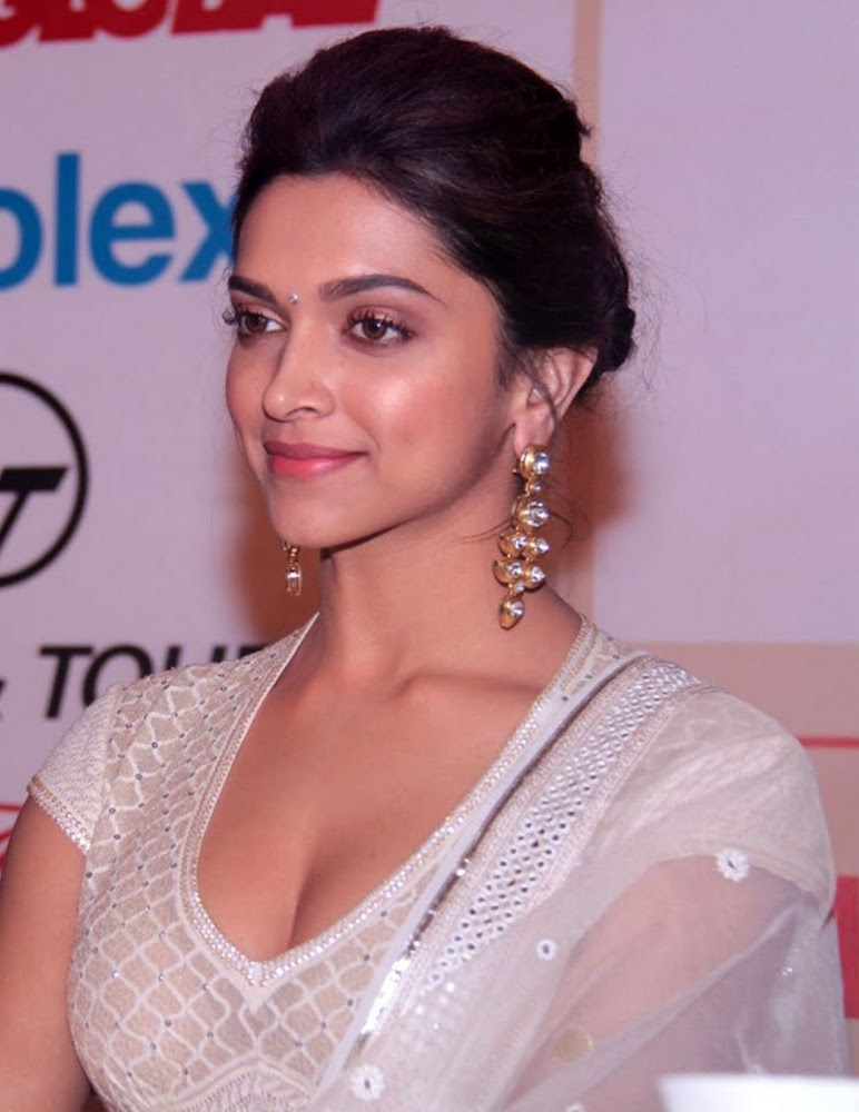 Deepika Padukone Latest Unseen HD Images In White Dress Showing Her Hot Cleavage Close Up