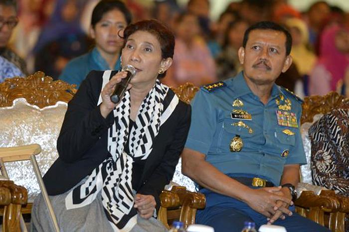Laksamana Madya Widodo bersama Menteri Susi Pudjiastuti