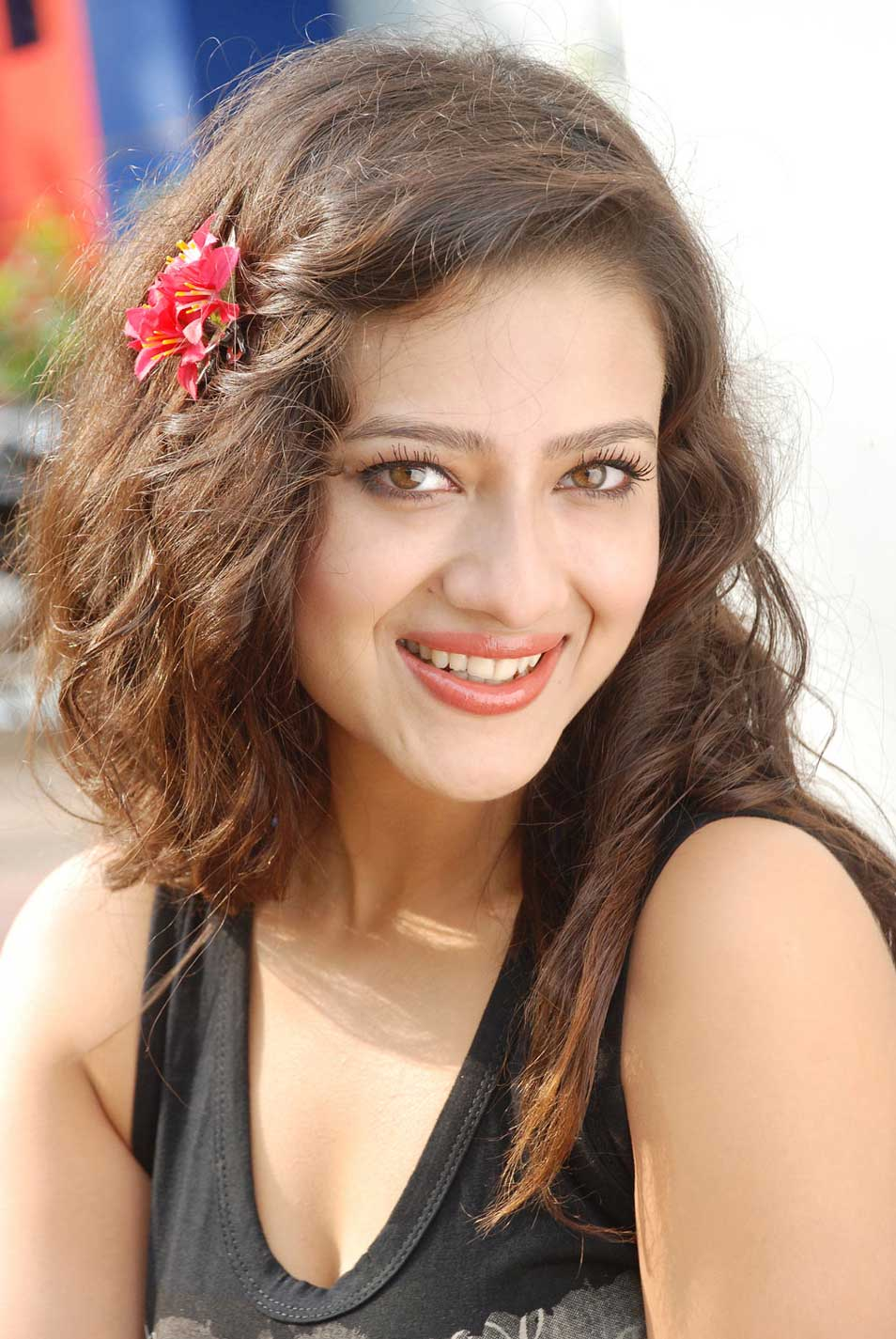Madalasa Sharma Beautiful Photos in Jeans