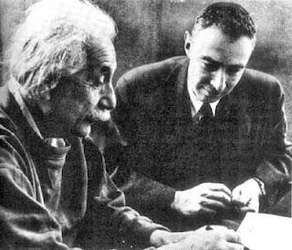 Einstein y Oppenheimer