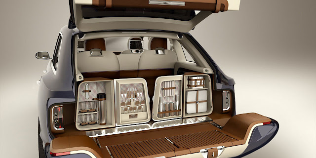 Bentley EXP 9 F SUV trunk