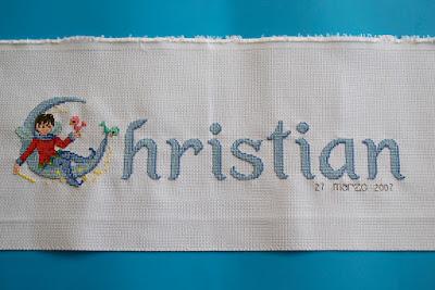 Nombre bordado punto de cruz