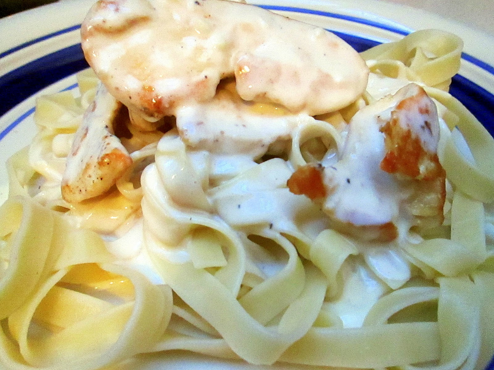 Knock Off Olive Garden Chicken Fettuccine Alfredo Eat Your Heart Out
