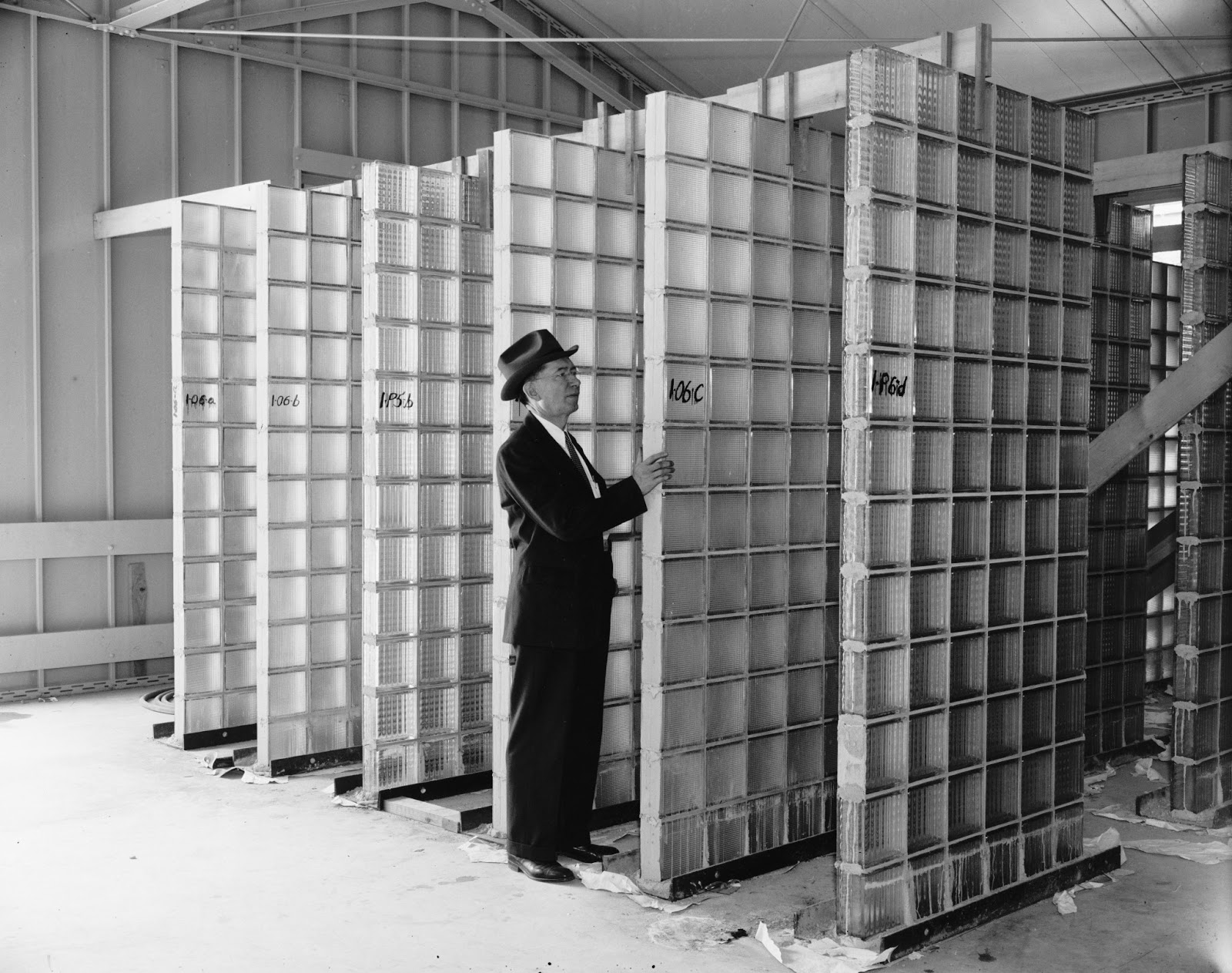 Glass Building Blocks : The lost hilltop home of national bureau standards