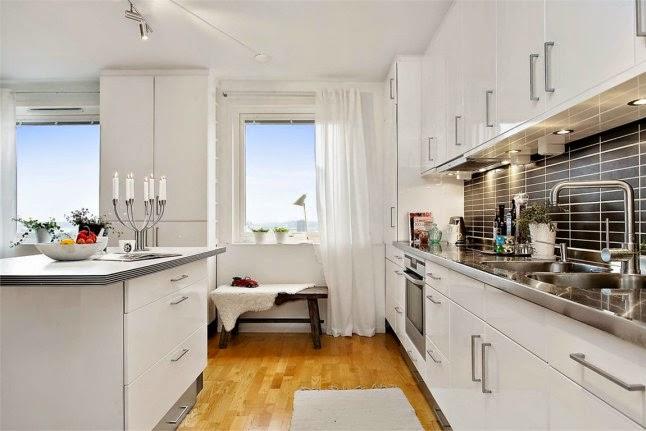 Cocinas blancas grandes peque as en l o en u modernas for Cocinas blancas modernas pequenas