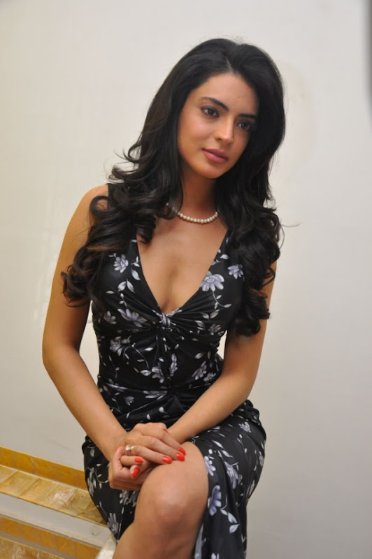 Swetha Bhardwaj Latest Hot Spicy Photos Stills Photoshoot images
