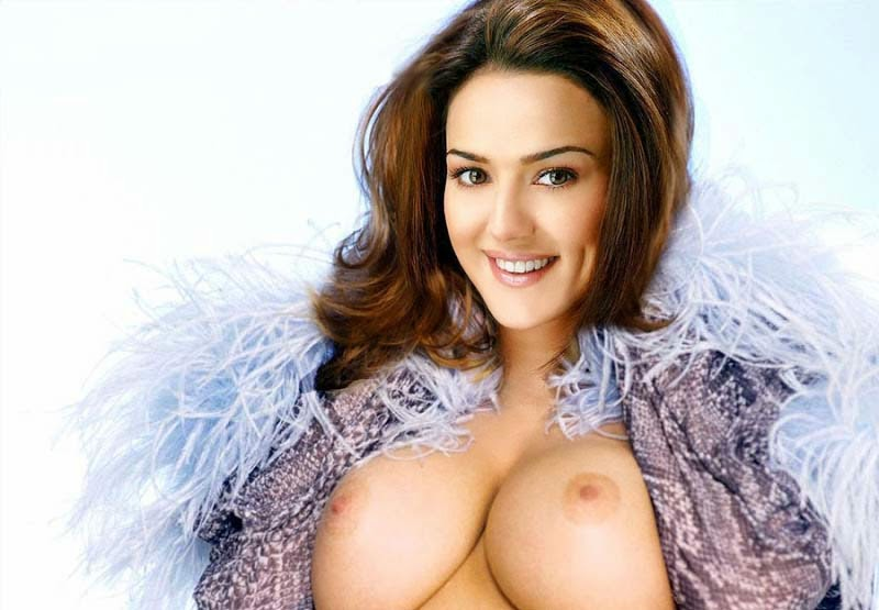 Preity Zinta Showing her Pussy and Fake Nude