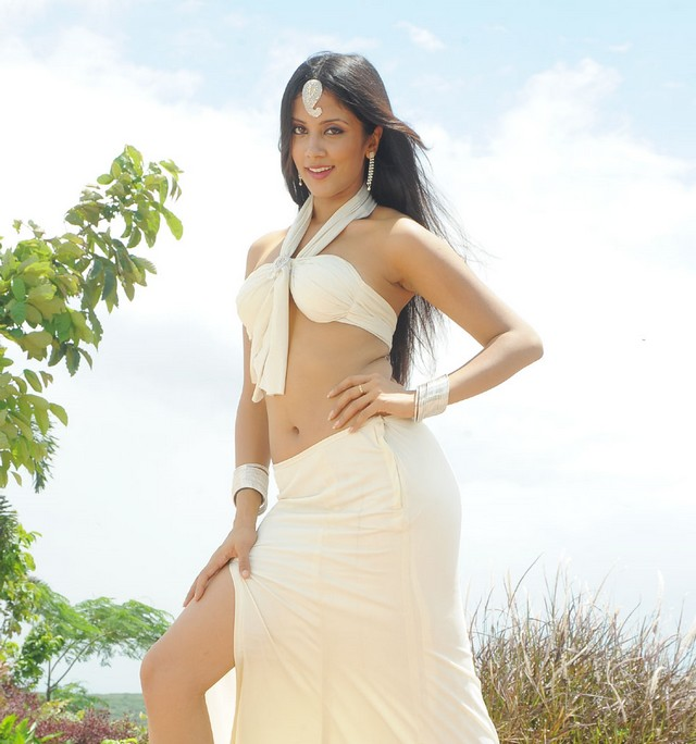 rithika sood glamour  images