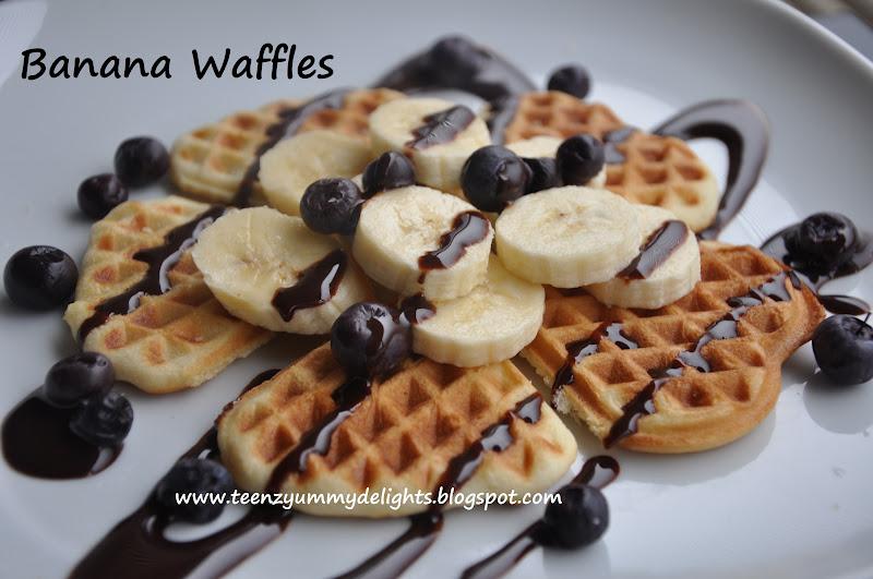 Banana Waffles & a Giveaway!!