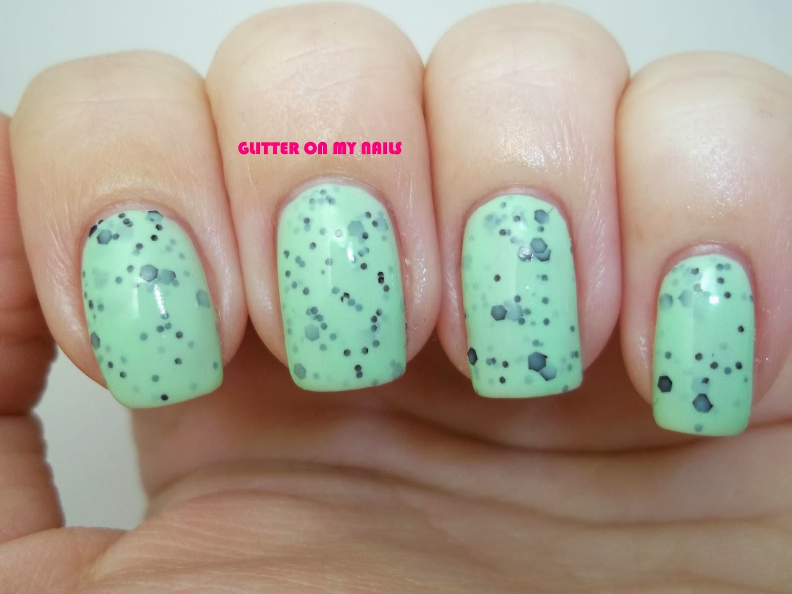 GLITTER ON MY NAILS: enero 2014