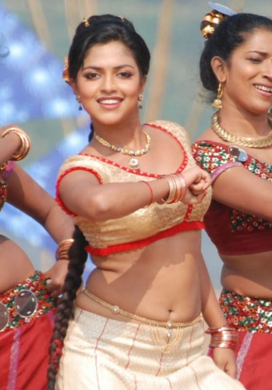 Amala Paul In Vettai Tamil Movie Hot Photos Latest Stills navel show