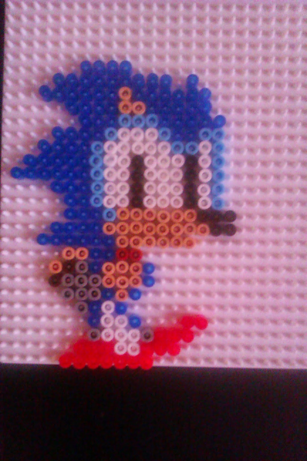 pixel art en perle hama quelques personnages de sonic en perle repasser. Black Bedroom Furniture Sets. Home Design Ideas