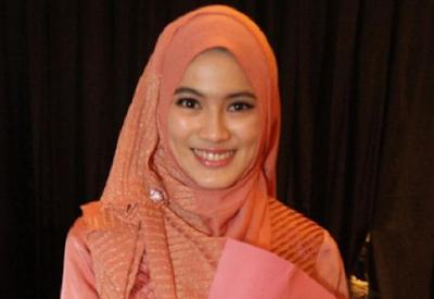 5 Artis Indonesia Yang Kuliah Diluar Negeri