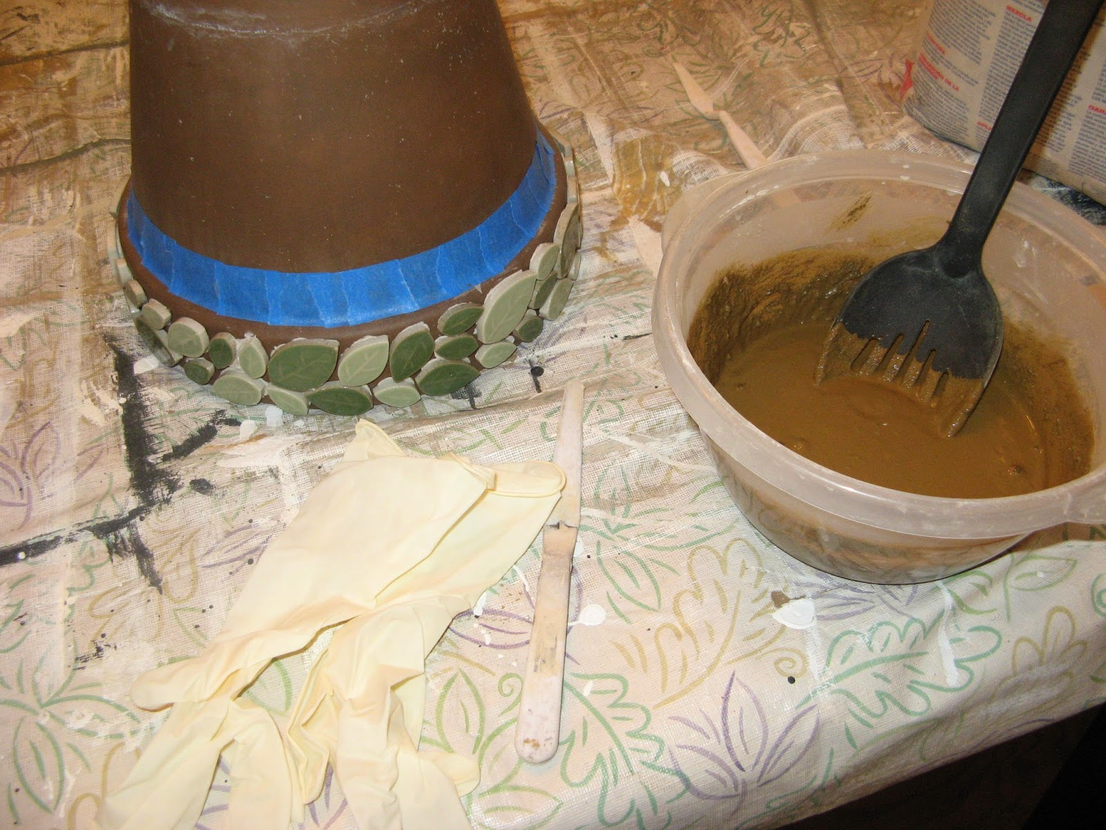 Creating a Mosaic Border on a Flower Pot