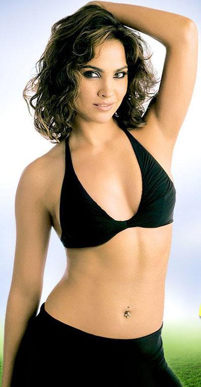Lara Dutta Bollywood actresses in bikini avatars