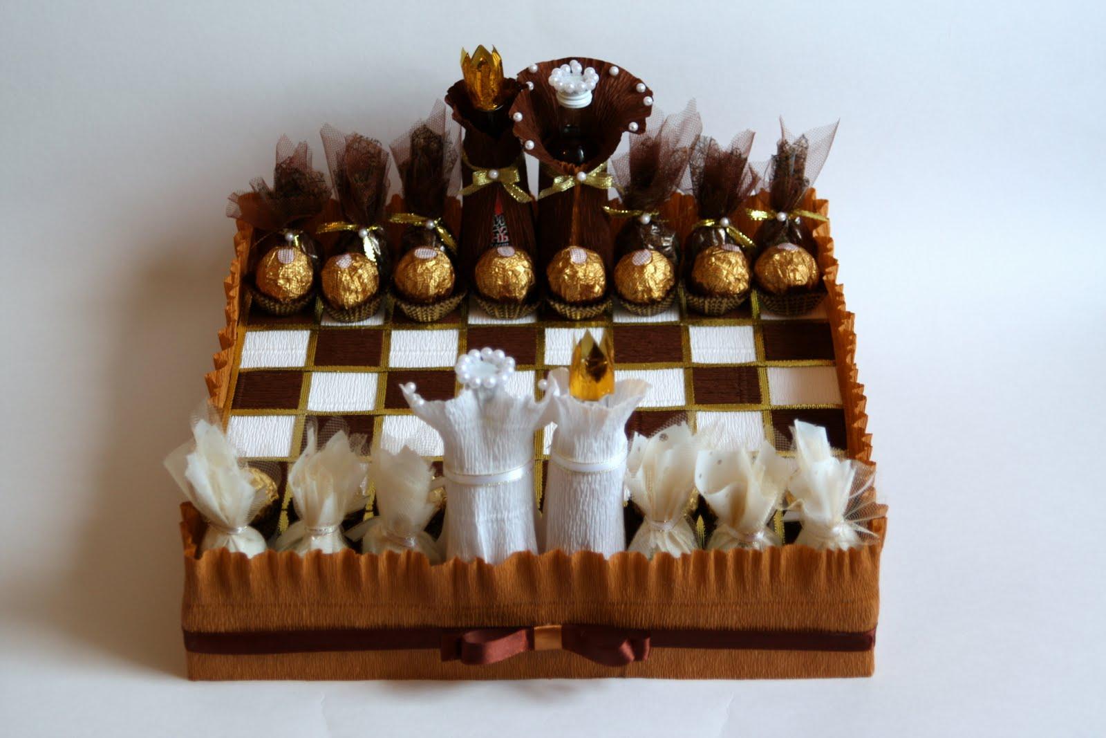 Шахматная доска из конфет своими руками 67