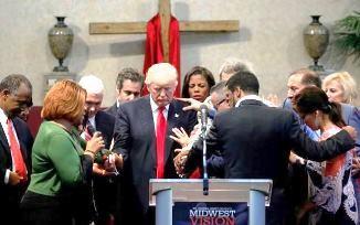 """Oh, my God! Sau despre """"insuportabila"""" greutate a votului creştin în favoarea lui Trump"""