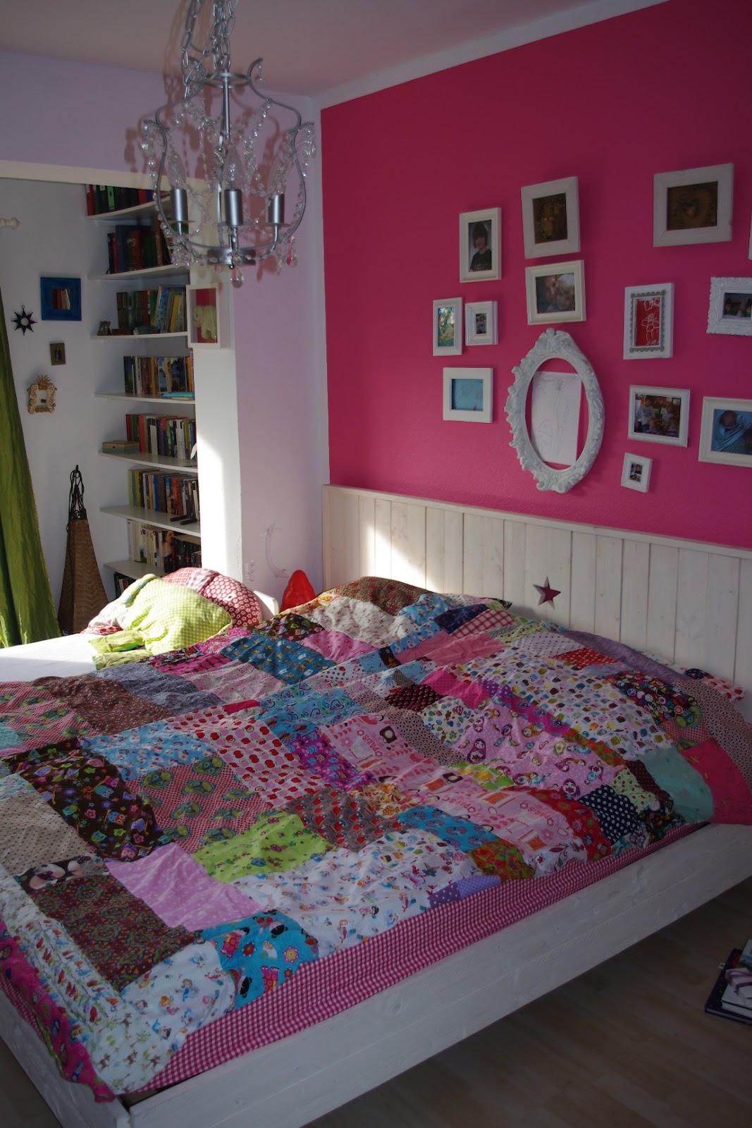 ringelspiel bettw sche und neues bett. Black Bedroom Furniture Sets. Home Design Ideas