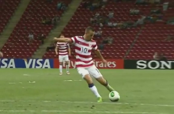 USA U-20 player Luis Gil shoots to score a goal against Spain U-20