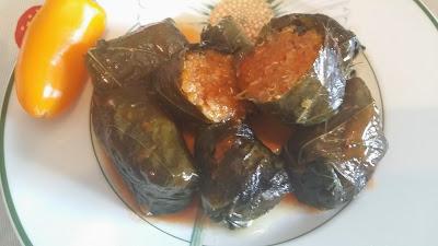 http://leblogdecata.blogspot.fr/2015/02/feuilles-de-vignes-farcies-au-quinoa.html
