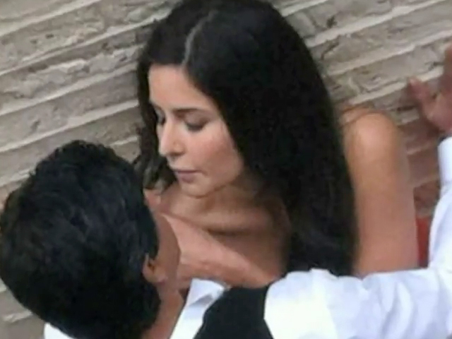 First Look- Shahrukh Khan gets Intimate with Katrina Kaif in Yash Raj Film's Untitled Next Project