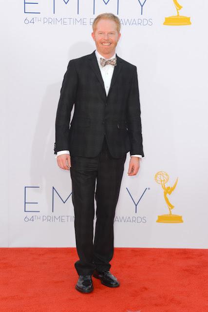 Jesse Tyler Ferguson traje Emmy 2012.