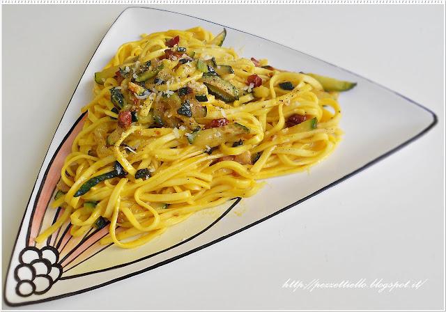 Tagliolini alla carbonara con zucchine